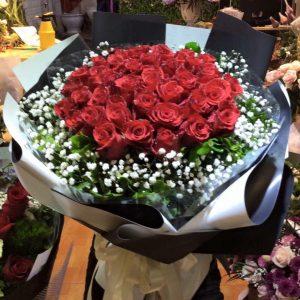bó hoa hồng đỏ lãng mạn đơn giản